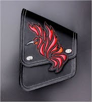 """Fire Hummingbird"" Swing-arm Bag for Softail Slim"