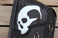https://sites.google.com/a/taurusseats.com/site/accessories/sbags/swingarm/yorick/Yorick_swingarm_bag_3.jpg?attredirects=0