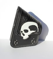 https://sites.google.com/a/taurusseats.com/site/accessories/sbags/swingarm/yorick/Yorick_swingarm_bag_01.jpg