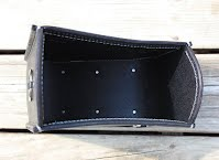 https://sites.google.com/a/taurusseats.com/site/accessories/sbags/swingarm/yorick/Yorick_swingarm_bag_4.jpg?attredirects=0